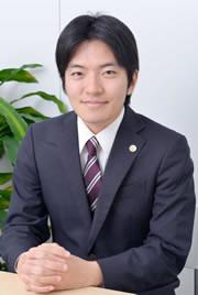 手須都弁護士の写真